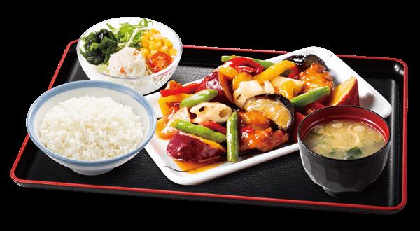 山田うどんの彩り野菜と若鶏の黒酢あん定食