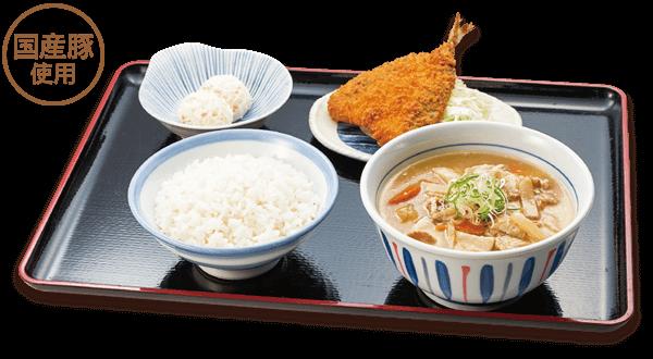 山田うどんの山田の特製 豚汁定食