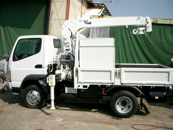 小型トラック建機サービスカー