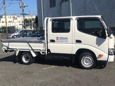 新横浜出張所サービスカー